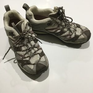 Merrell elephant/pink hiking trail shoes size 9